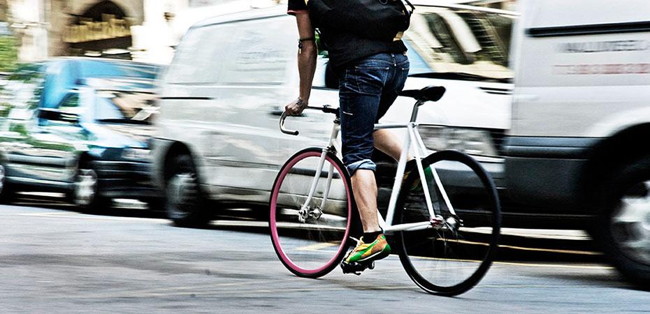 Unser Kurierdienst mit dem Fahrrad in der Innenstadt unterwegs